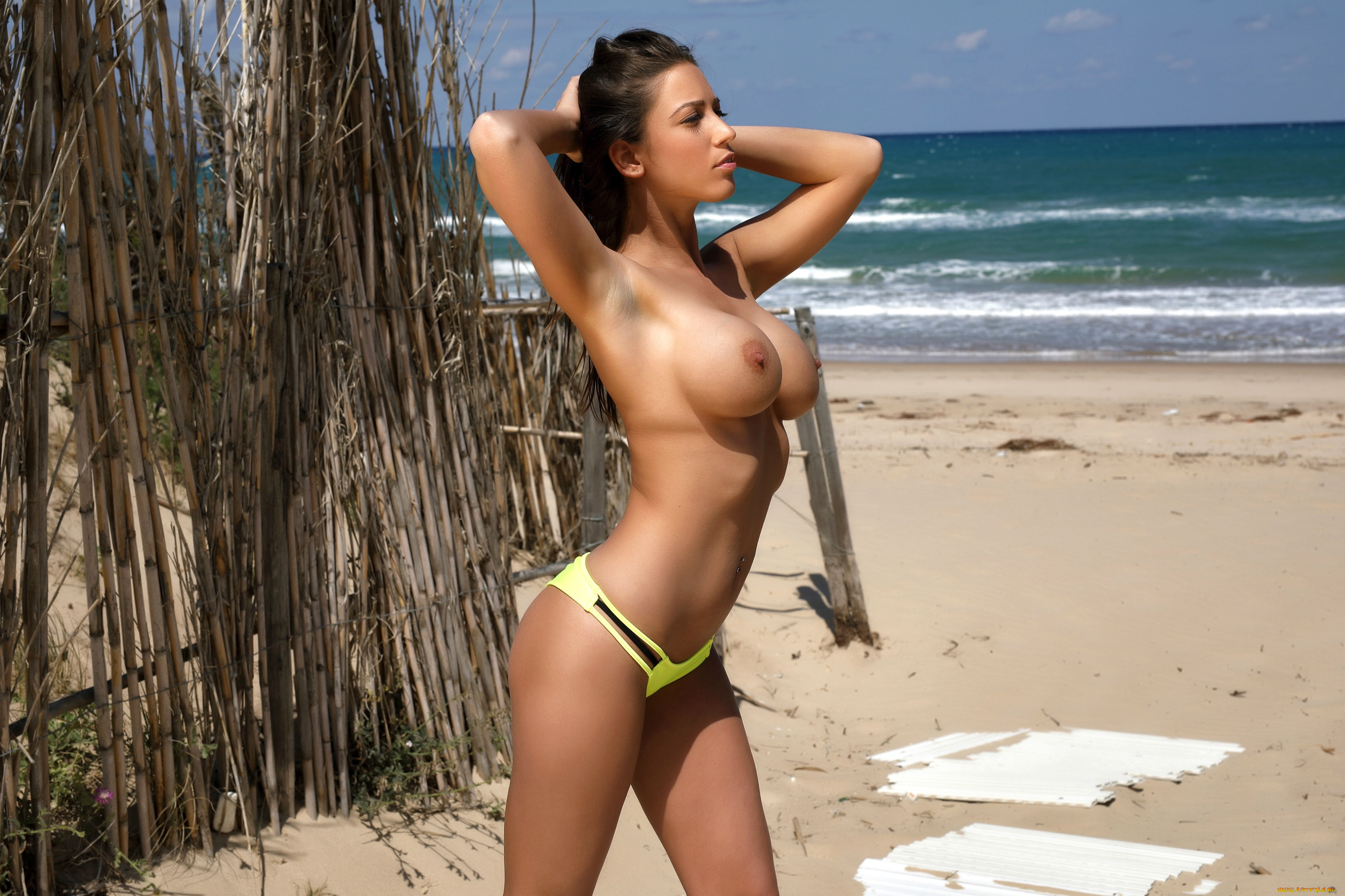 Cancun wives topless